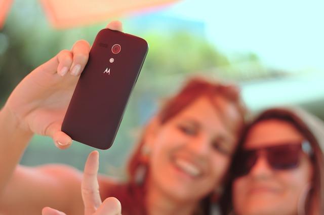 あなたの笑顔と一緒にIDEASアイテムの写真を撮る。